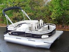 We manufacture the G series pontoon boats and pontoon boat trailers. This is a new high quality 2018 14 ft Tahoe pontoon boat. Electric Pontoon Boat, Pontoon Boats For Sale, Small Pontoon Boats, Fishing Pontoon Boats, Small Boats, Pontoon Boating, Pontoon Boat Party, Boating Fun, Buy A Boat