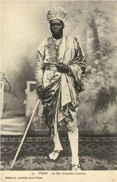 Le roi Lawson d'Anécho (Togo) en tenue d'apparat