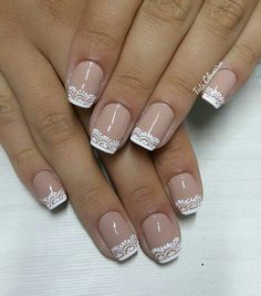 15 Modelos de Unhas Inglesinhas e famosas que aderiram à moda; Bridal Nails, Wedding Nails, French Tip Nails, Toe Nail Designs, Stylish Nails, Perfect Nails, Manicure And Pedicure, Toe Nails, Nails Inspiration
