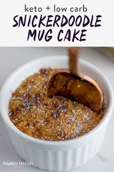 This 60 second snickerdoodle mug cake is one of your best options for a healthy late night snack. Made with almond flour pop this baby in the microwave with a touch of cinnamon and go! A great low carb snack with full videos on how to prepare. Keto Foods, Ketogenic Recipes, Ketogenic Diet, Low Carb Recipes, Diet Recipes, Desserts Keto, Desserts Sains, Keto Friendly Desserts, Low Carb Deserts