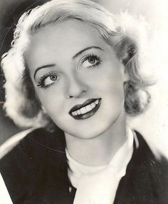 Welcome to the official Bette Davis website. Learn more about Bette Davis and contact us today for licensing opportunities. Old Hollywood Glamour, Golden Age Of Hollywood, Vintage Hollywood, Hollywood Stars, Classic Hollywood, Hollywood Lights, Vintage Glamour, Vintage Beauty, Adrienne Ames
