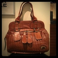 Chloe Bay Bag Beautiful Chloe Bay bag in tan leather. This bag has been warn and shows signs of wear as detailed in pictures. Still in good condition. Chloe Bags Shoulder Bags