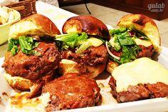 Hambúrguer de churrasqueira com molho especial - Gulab