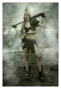 Post Apocalyptic Wasteland Beauty Post Apocalyptic Costume, Post Apocalyptic Fashion, Character Inspiration, Character Design, Character Ideas, Dark Warrior, Warrior Women, Cyberpunk Rpg, Warrior Outfit