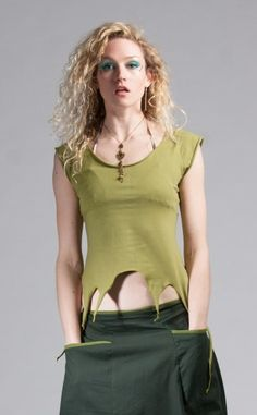 Pointy top with adjustable dragonfly back to allow for best fit for a big range of sizes.  Made of extremely good quality, super stretchy Cotton