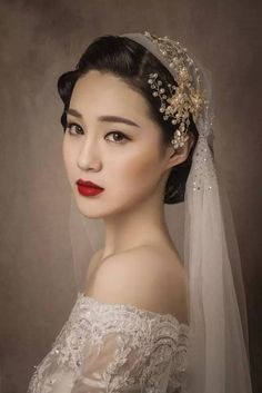 23 Ideas Makeup Wedding Bridal Bridesmaid, You can collect images you discovered organize them, add your own ideas to your collections and share with other people. Popular Wedding Dresses, Wedding Dress Trends, Gorgeous Wedding Dress, Beautiful Bride, Wedding Gowns, Hanbok Wedding, Bridal Hair And Makeup, Bridal Beauty, Wedding Makeup