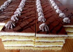 Rezy Kyjev, recepty, Zákusky | Tortyodmamy.sk Czech Recipes, Cake Bars, Eclairs, Nutella, Tiramisu, Animal Print Rug, Cooker, Cooking Recipes, Sweets