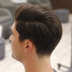 Haircut styles for long hair layers shops 60 ideas Classic Hairstyles, Side Part Hairstyles, Cool Hairstyles, Tapered Haircut, Fade Haircut, Medium Hair Cuts, Medium Hair Styles, Hair And Beard Styles, Curly Hair Styles