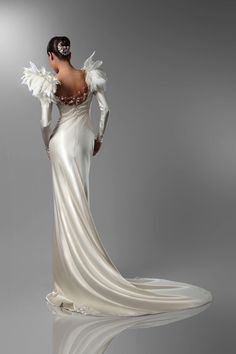 These fascinating, Haute Couture art deco wedding gowns by Spanish designer Isabel Zapardiez are not just beautiful, but many of them are truly works of Bohemian Wedding Dresses, Lace Weddings, Bridal Collection, Dress Collection, Bridal Gowns, Wedding Gowns, Fantasy Gowns, Art Deco Wedding, Gowns With Sleeves