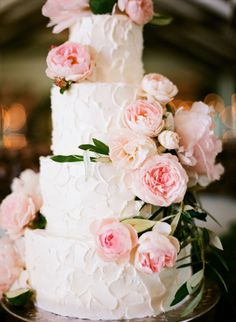 Rustic iced cake with pink garden roses: http://www.stylemepretty.com/2015/06/29/romantic-san-ysidro-ranch-summer-wedding/ | Photography: Diana McGregor - http://www.dianamcgregor.com/