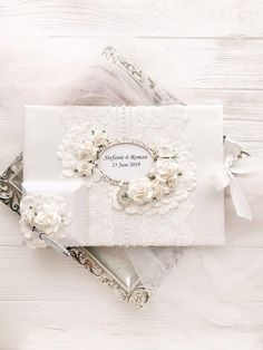 Ivory Guest Book and Pen Elegant Guest Book Vintage Guest Book Ideas for Wedding Winter Wedding Decor White Guest Book Lace Guest Book 1 pcs