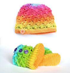 #BidOnTophatter 20 Starting Bid: Lollipop Baby Hat and Booties 0-6 months in the Boutique Auction! these are cute for mads!