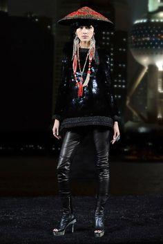 Chanel Pre-Fall 2010 Fashion Show - Emma Pei