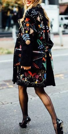 Fashion Flower Printed Lapel Collar Loose Coat - Fashion Flower Printed Lapel Collar Loose Coat Source by - Mode Outfits, Fashion Outfits, Womens Fashion, Fashion Tips, Fashion Websites, Fall Outfits, Fashion Stores, Looks Chic, Looks Style