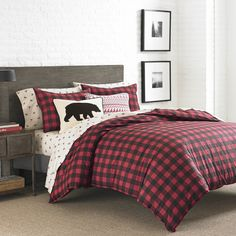 Features:  -Material: 100% Cotton percale.  -Duvet cover has button closures.  -Mountain Plaid collection .  Pattern: -Plaid & Check.  Color: -Red.  Material: -Cotton.  Cleaning Method: -Machine washa