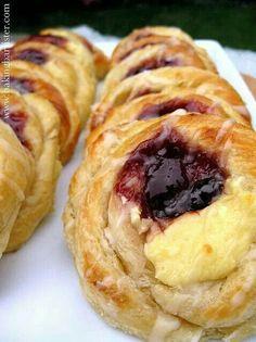 Rasberry n cheese Danish