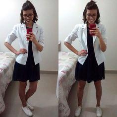 Olá meninas! Semana passada fui convidada pelas meninas do @cristasestilosas para participar de um desafio que consistia em: com 1 vestido, eu tinha que montar 5 looks de estilos diferentes. Vou mo…