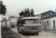Coche de línea de Edesio Villar Lema #carballo #acoruña #fotoantigua #fotohistorica Lema, Slide, Old Photography, Fotografia, Pictures