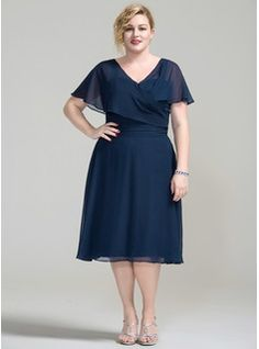 A-Line/Princess V-neck Knee-Length Chiffon Mother of the Bride Dress With Ruffle (008077021)