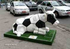 Cow Parade Soccer Cow photo by Rogerio Maciel Soccer Art, Football Art, Cow Photos, Cow Parade, Cows, Statues, Street Art, Sculptures, Elephant