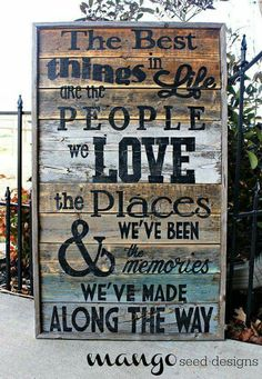 Rustic Reclaimed Best Things in Life Pallet Wood Sign Quotes Pallet Art, Pallet Signs, Pallet Wood, Wood Crafts, Diy Crafts, Do It Yourself Furniture, Diy Signs, Sign I, My New Room