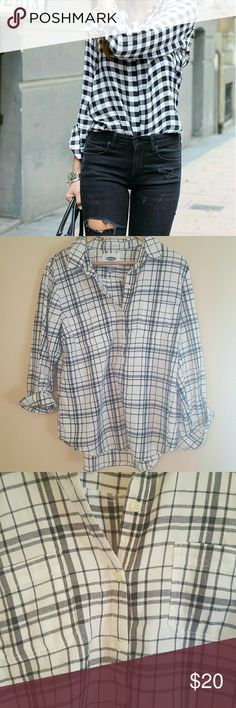 ➡BRAND NEW Old Navy Flannel MAKE ME AN OFFER OR BUNDLE!!   3/4 button down  Black and white  Very soft  Old Navy  Size Large Old Navy Tops Button Down Shirts