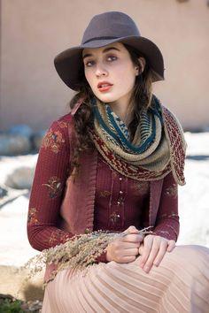 Ravelry: Whitehorn Shawl pattern by Courtney Spainhower Shawl Patterns, Knitting Patterns, Shawl Cardigan, Yarn Projects, Knitted Shawls, Slip Stitch, Knit Crochet, Gold Rush, Cumbria