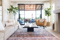 Here are some doable living room decor and interior design tips that will make your home cozy and comfortable for family and friends. Living Colors, Colourful Living Room, Coastal Living Rooms, My Living Room, Home And Living, Living Room Decor, Living Spaces, Cozy Living, Kitchen Living
