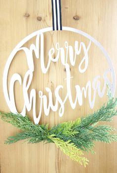 individueller Türkranz, Wanddekoration Merry Christmas, Wreaths, Shop, Home Decor, Old Wood, Room Wall Decor, Christmas Presents, Christmas Decorations, Merry Little Christmas