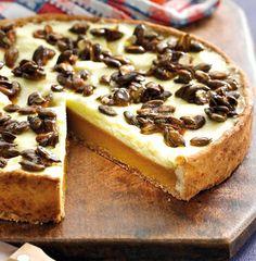 Kürbis-Torte mit Frischkäse-Belag und fruchtiger Zitronencreme