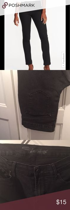Old navy black skinny jean Favorites! But don't fit anymore Old Navy Pants Skinny
