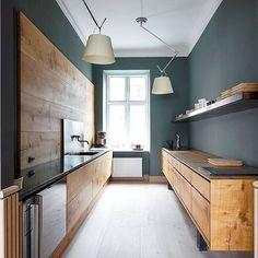 Dinesen showroom, Copenhagen Design: OeO @dinesen #kitchen #kitchendesign #colourscheme #colourpalette #interior #interiors #Dinesen #flooring #lights #lighting #instadesign #instainterior #instainteriors #DanishDesign #inspiration