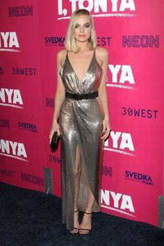 Margot Robbie in Versace