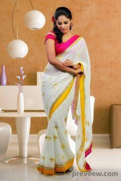 Exclusive stunning photos of beautiful Indian models and actresses in saree. Beautiful Saree, Beautiful Indian Actress, Beautiful Dresses, Beautiful Clothes, Beauty Full Girl, Beauty Women, Saree Models, Beautiful Girl Image, Gorgeous Women