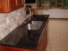 Travertine Backsplash, Black Granite Countertops, Backsplash Ideas, Stone  Tiles, Kitchen Backsplash, Natural Stones, Black Tiles, Black Marble,  Kitchen ...