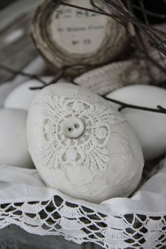 linen Easter egg with lace