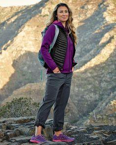 Shop women's horizon roll-up pants in Travex at Eddie Bauer. Eddie Bauer, Best Hiking Pants, Summer Camping Outfits, Hiking Outfits, Hiking Clothes, Trekking Outfit, Climbing Outfits, Women Camping, Camping Clothes For Women