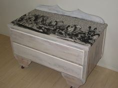 The Owl and the Elephant: chest covered with Alice fabric.