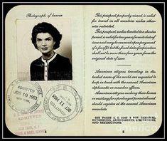 1950's passport Jaqueline Kennedy, Jacqueline Kennedy Onassis, Los Kennedy, American Legend, American History, John Fitzgerald, American Presidents, Grace Kelly, Vintage Travel