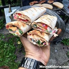 Tortilla Gluten Free Recipes j gumbo gluten free Kebabs On The Grill, Fruit List, Keto Fruit, Gumbo, Wrap Sandwiches, Gluten Free Recipes, Food Inspiration, Grilling, Gastronomia
