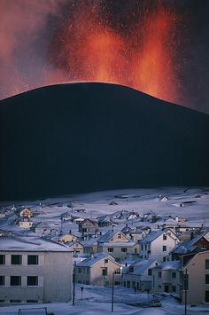 Volcanic Eruption | Heimaey Island | Iceland | Photo By Emory Kristof