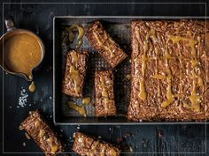 Try Chocolate brownies with caramel topping by FOOBY now. Or discover other delicious recipes from our category desserts. Caramel Brownies, Chocolate Caramels, Chocolate Brownies, Vegetarian Chocolate, Desert Recipes, Original Recipe, Clean Eating Snacks, Food Print, Yummy Food