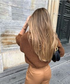 Long Ash Blonde Hair - 20 Best Long Hairstyles for Women of All Ages 2019 - The Trending Hairstyle Blonde Hair Looks, Blonde Hair With Highlights, Brown Blonde Hair, Brunette Hair, Short Blonde, Blonde Honey, Medium Blonde, Hair Color For Black Hair, Medium Hair