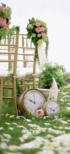 Looking for a whimsy and kinda crazy wedding theme? Alice in Wonderland is a great book full of one of a kind details, and it's absolutely perfect … - Looking for a whimsy and kinda crazy wedding theme? Alice in Wonderland is a gre. Wedding Aisles, Wedding Aisle Decorations, Wedding Themes, Wedding Ideas, Diy Wedding, Wedding Venues, Wedding Details, Wedding Reception, Pew Decorations