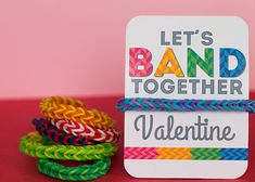Turn trendy rubber band bracelets into Valentines by wrapping them around cards adorned with a silly pun. Kinder Valentines, Homemade Valentines, Valentine Box, Valentine Day Crafts, Valentine Ideas, Rubber Band Bracelet, Valentine's Cards For Kids, Rainbow Loom, Valentine's Day Diy