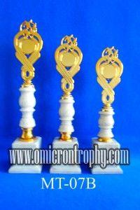 Jual Trophy Piala Penghargaan, Trophy Piala Kristal, Piala Unik, Piala Boneka, Piala Plakat, Sparepart Trophy Piala Plastik Harga Murah Piala Trophy Murah Untuk Kejuaraan