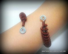 Tutorial: How to make a coiled wire bangle