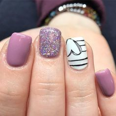 The advantage of the gel is that it allows you to enjoy your French manicure for a long time. There are four different ways to make a French manicure on gel nails. Heart Nail Designs, Purple Nail Designs, Cute Nail Designs, Gel Nail Designs, Diy Nails, Cute Nails, Pretty Nails, Nail Nail, Nail Polish