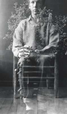 Robert Rauschenberg, Self-portrait with weed, Black Mountain College, 1952.