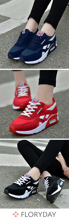 Lace-up closed toe low heel shoes, casual shoes, sneakers. Dr Shoes, Hype Shoes, Low Heel Shoes, Me Too Shoes, Shoes Heels, Cute Sneakers, Best Sneakers, Sneakers Fashion, Fashion Shoes